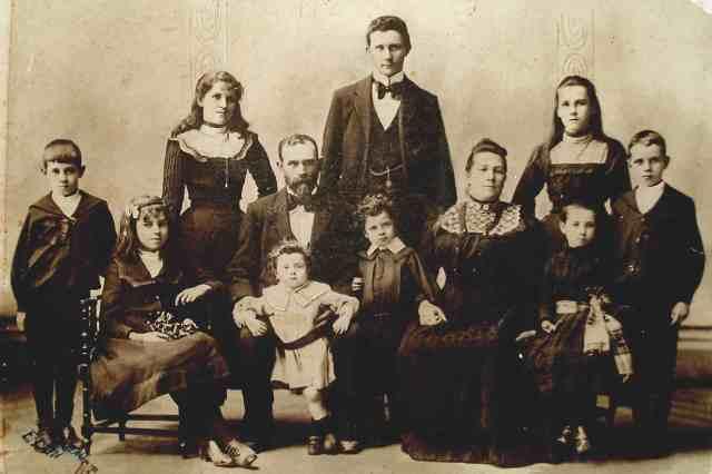 201 c1900 O'Reillys 1900
