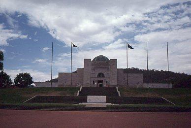 19771200_SL_Canberra002